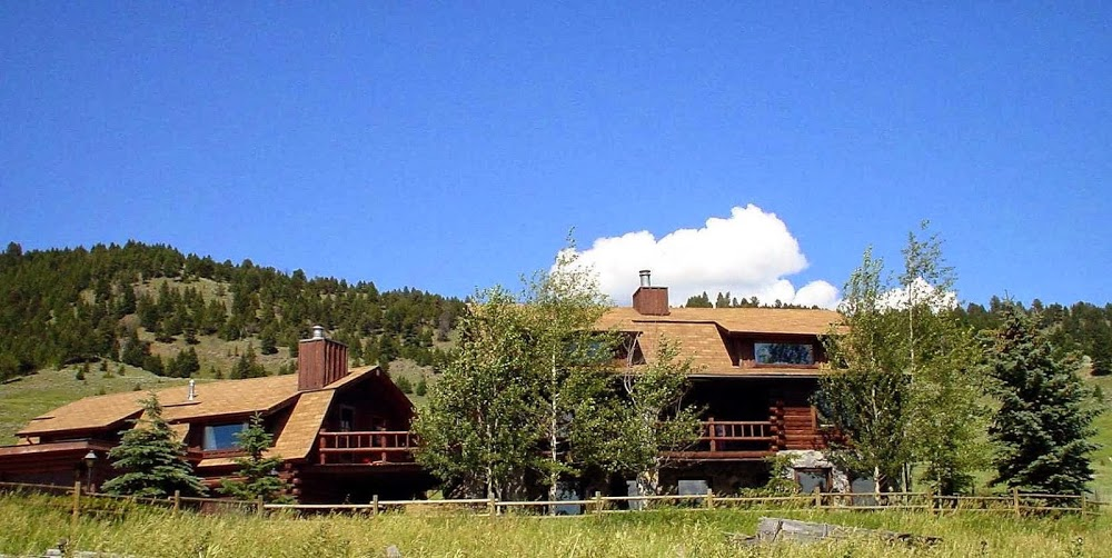 Howlers Inn B&B and Wolf Sanctuary, Bozeman MT Bed and Breakfast Lodging
