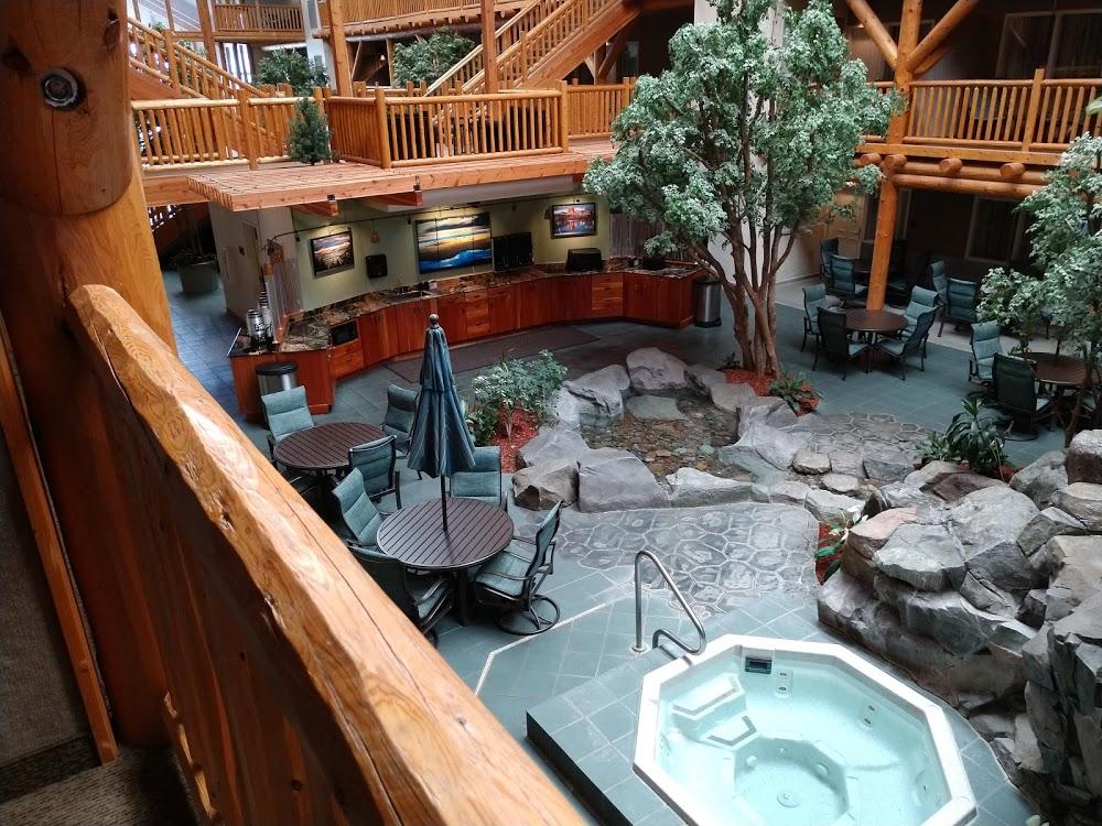 C'mon Inn Hotel & Suites